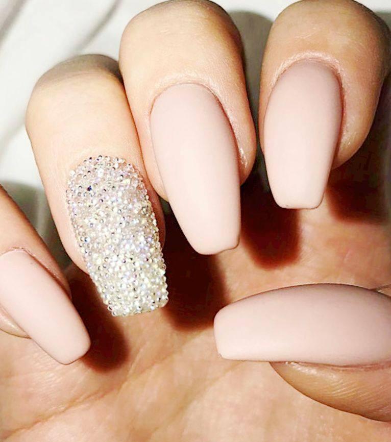 Selecting a nail art design