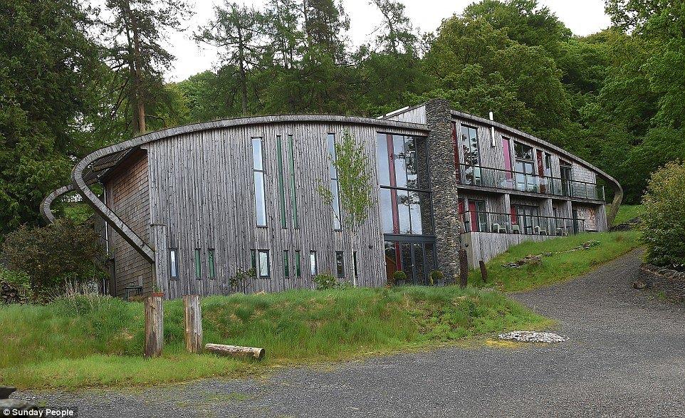 FLASS HOUSE