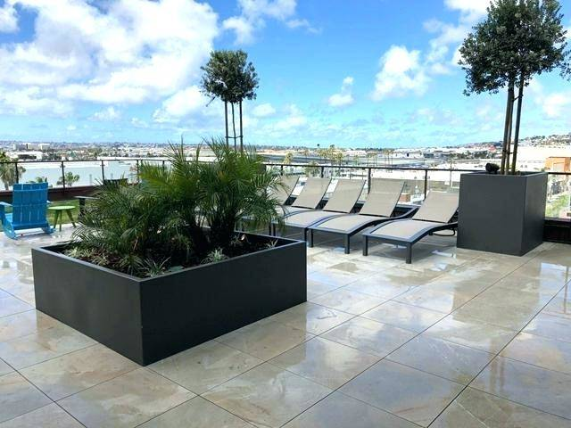 Condo Deck Tiles – Long, narrow boards change the look