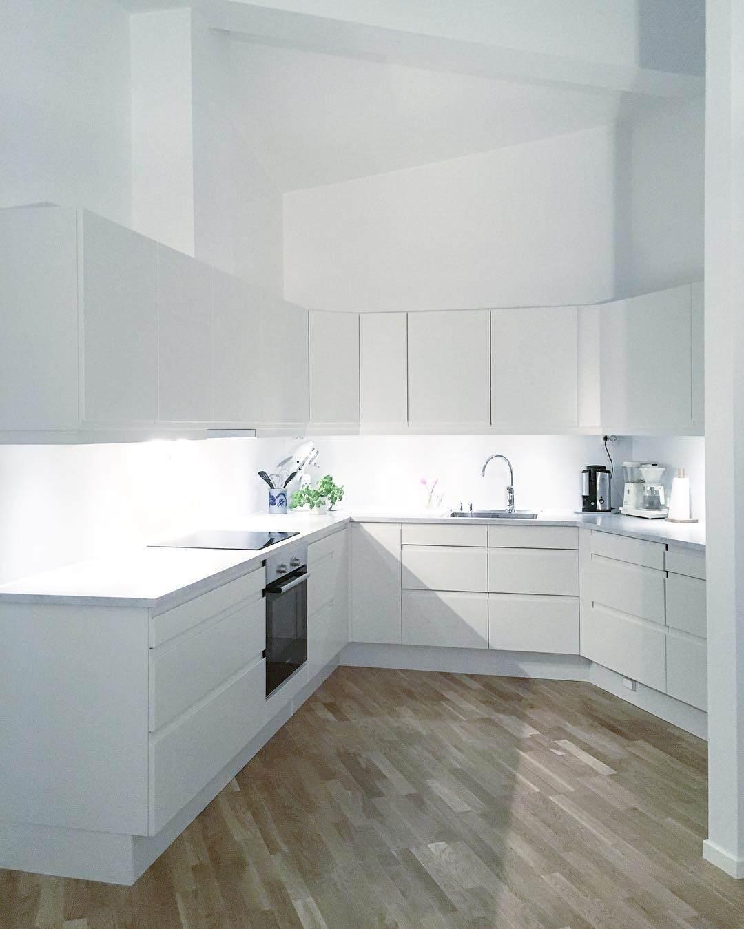 #kitchendesign #utensil #storagesolutions #cabinetlighting