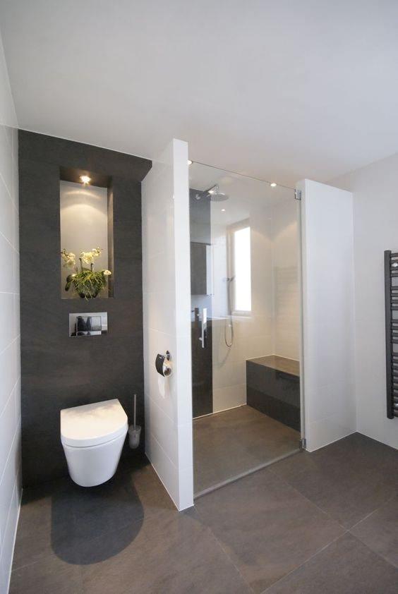 Amazing And Gorgeous Bathroom Decoration Ideas You Must Love; Bathroom Decor; Bathroom Shelf;